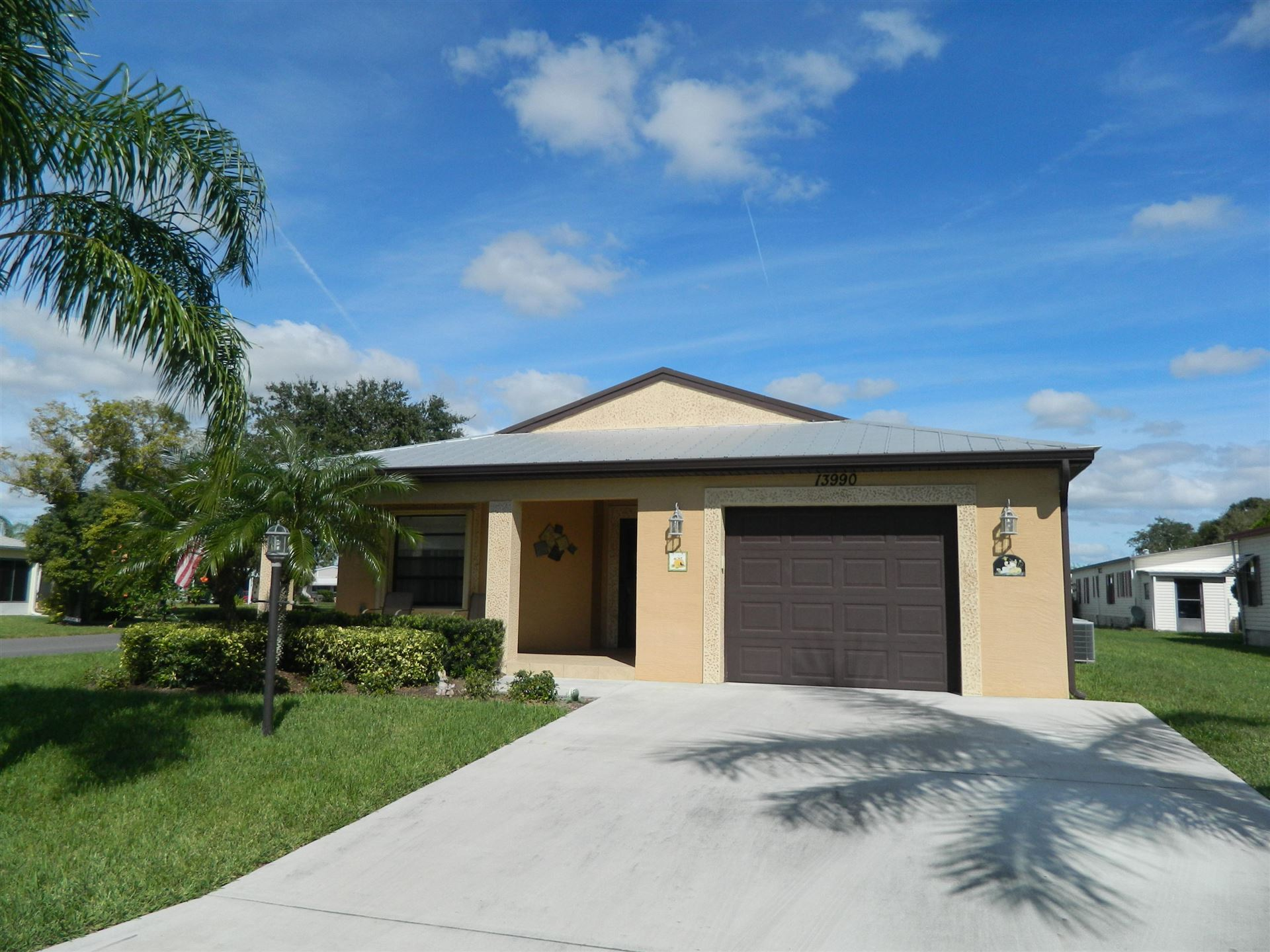 12 S El Greco Lane, Port Saint Lucie, FL 34952 - #: RX-10653817