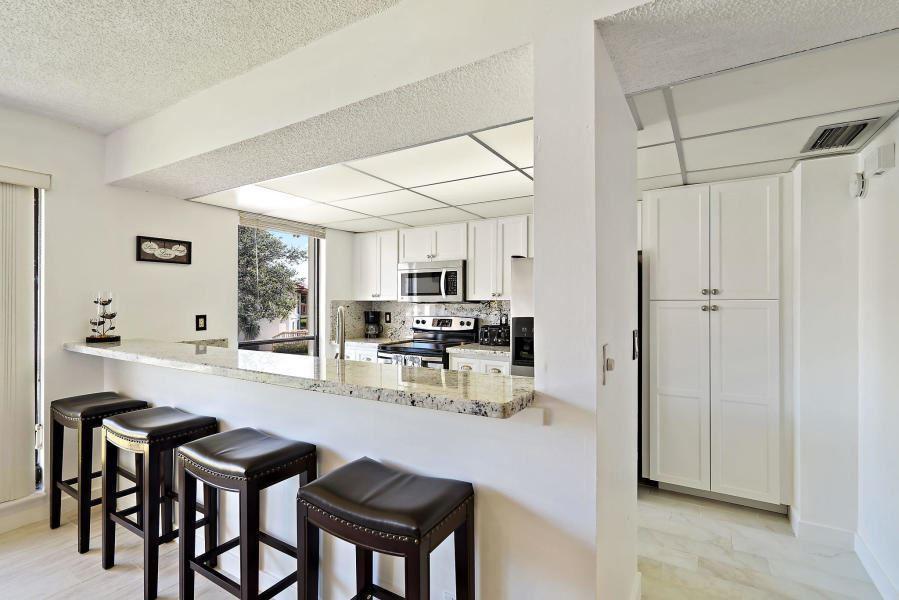 Photo of 616 Brackenwood Cove, Palm Beach Gardens, FL 33418 (MLS # RX-10624818)