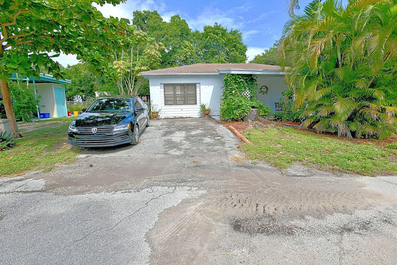 Photo of 1781 Redbank Road, North Palm Beach, FL 33408 (MLS # RX-10751819)