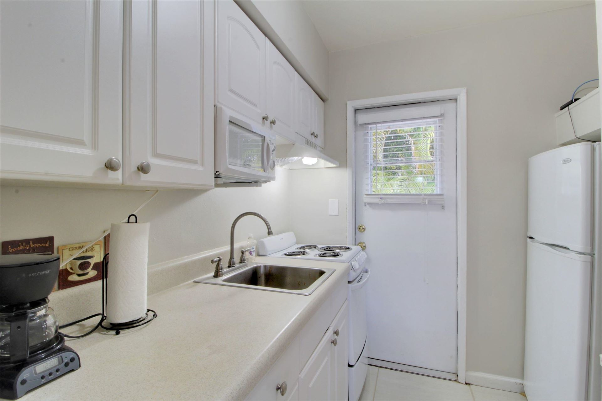 Photo of 381 SE 20 Avenue #2, Deerfield Beach, FL 33441 (MLS # RX-10626823)