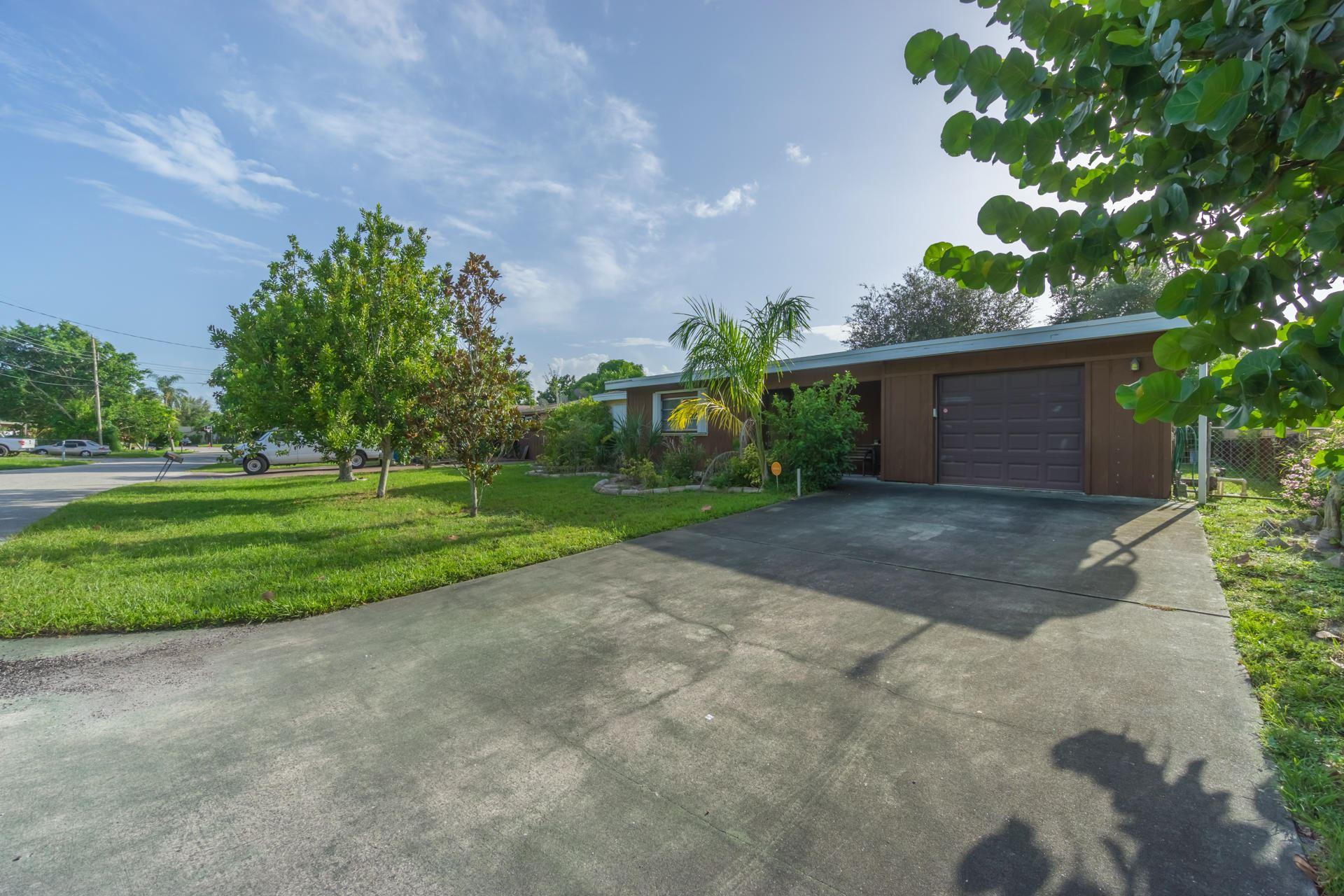 26 Sioux Lane, Lake Worth, FL 33462 - #: RX-10655825