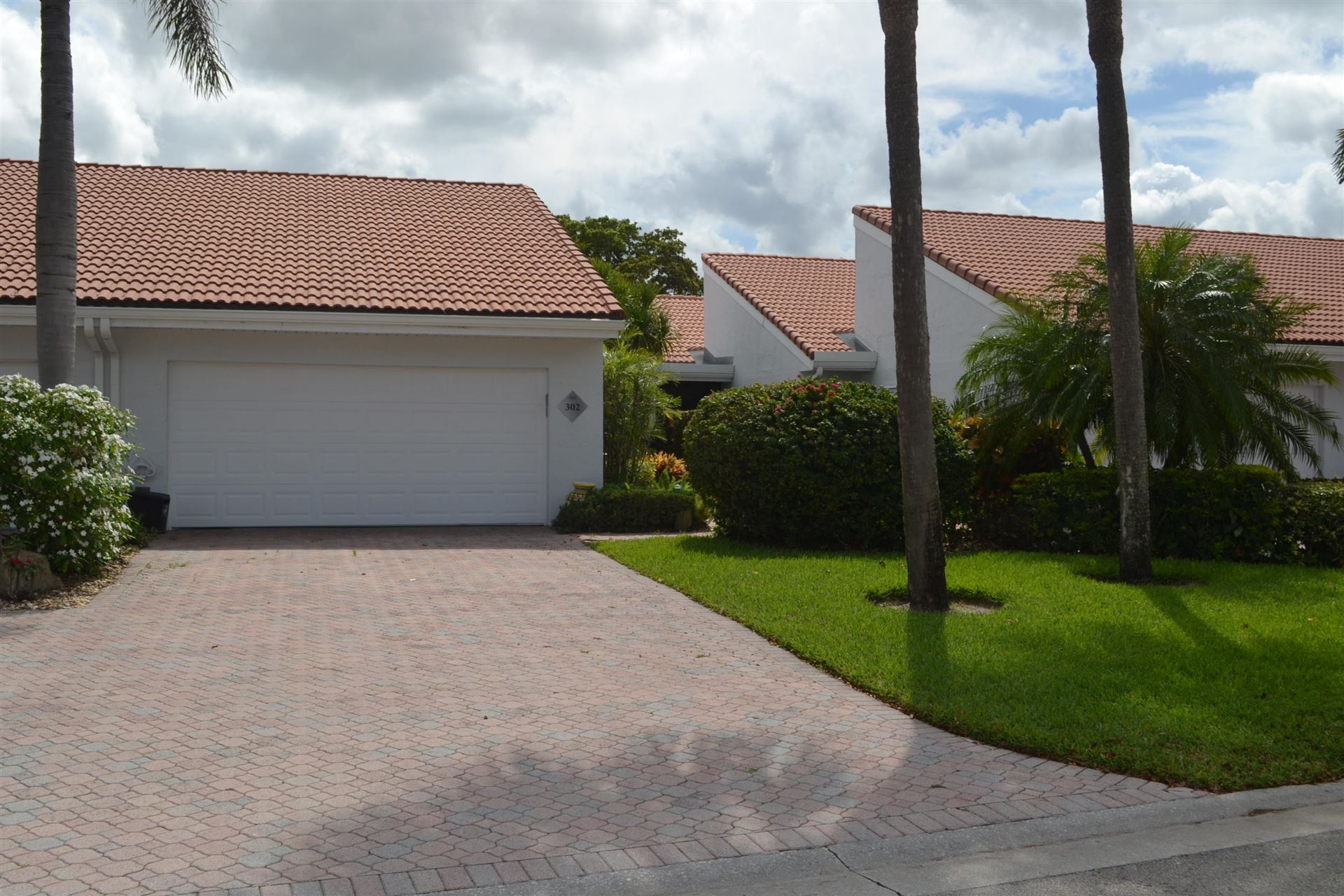 Photo of 19830 Sawgrass Drive #302, Boca Raton, FL 33434 (MLS # RX-10716827)