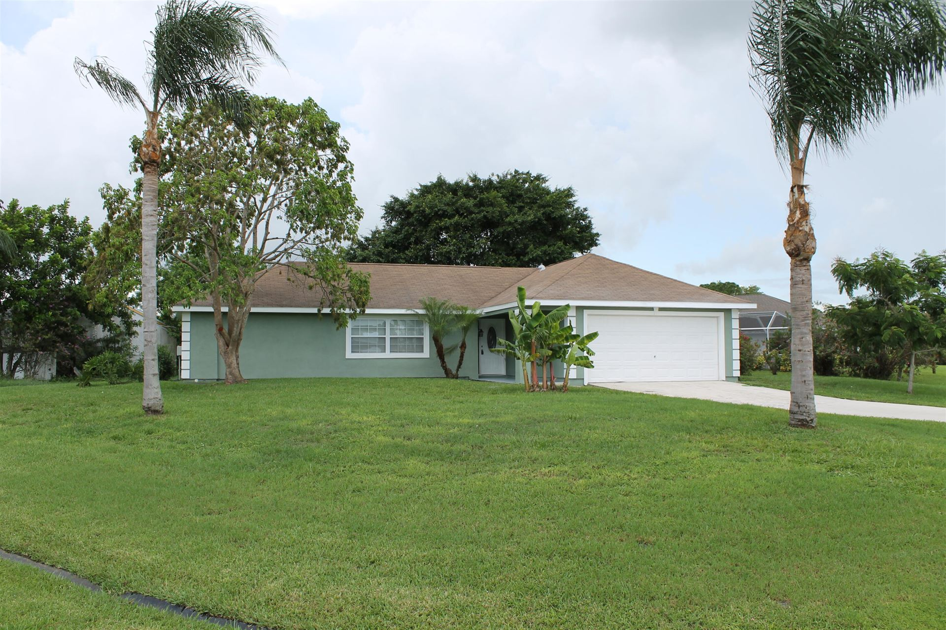 490 SE Thanksgiving Avenue, Port Saint Lucie, FL 34953 - #: RX-10730827