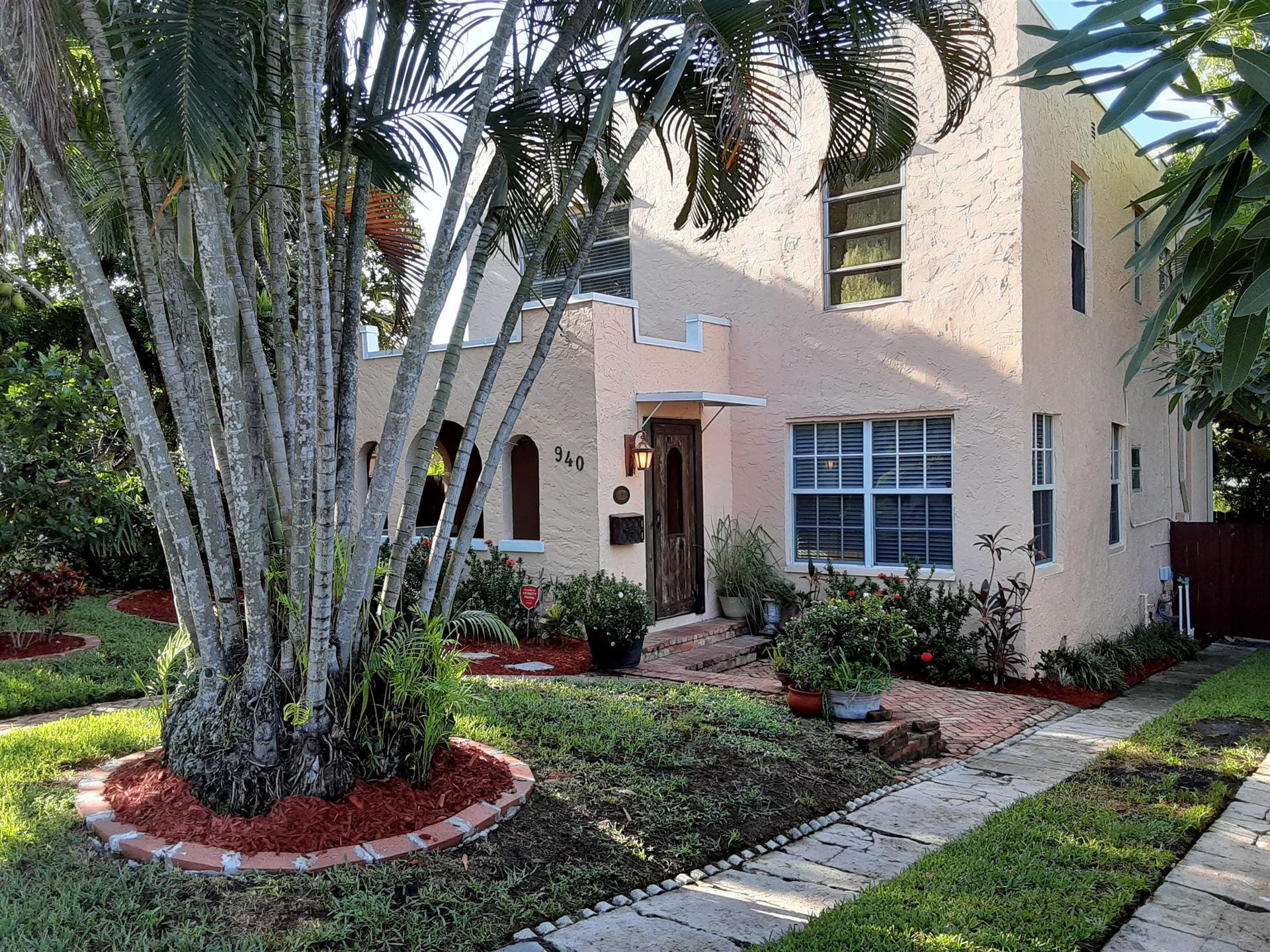 940 39th Court, West Palm Beach, FL 33407 - #: RX-10733828