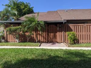 303 Springdale Circle, Palm Springs, FL 33461 - #: RX-10610829