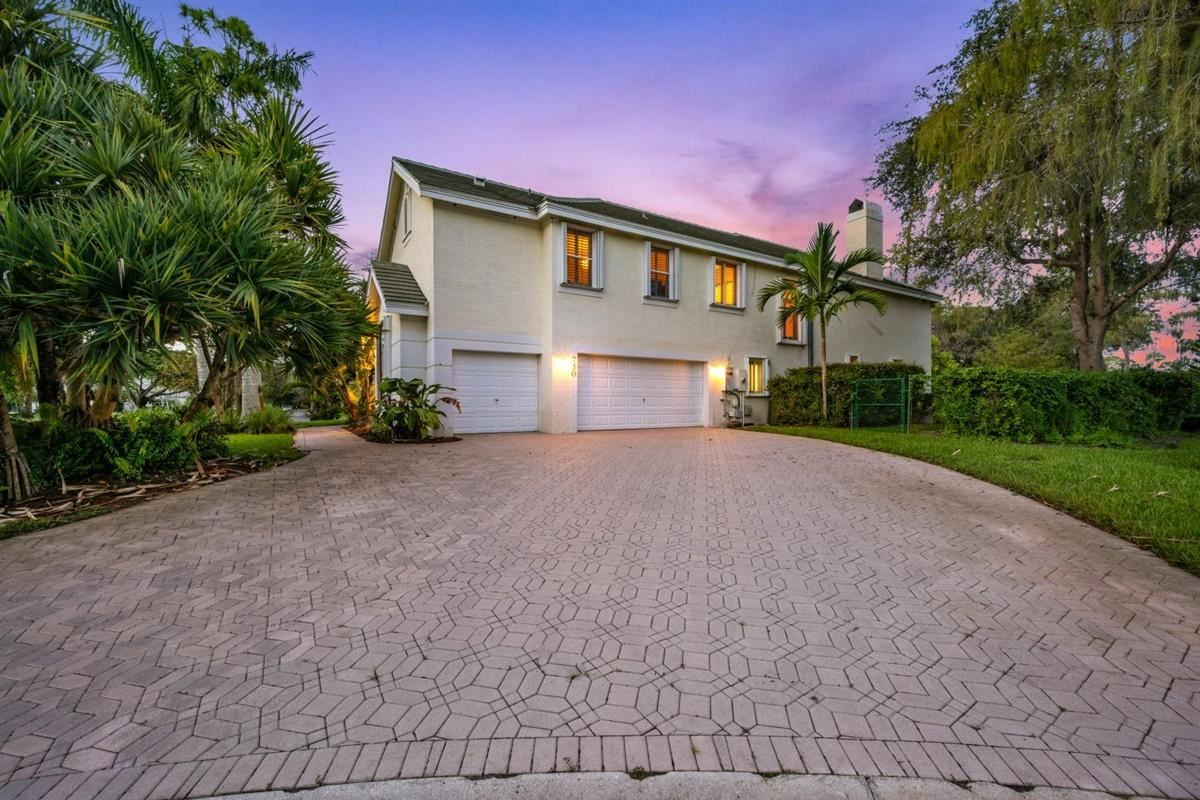 750 Pine Chase Court, Wellington, FL 33414 - #: RX-10661829