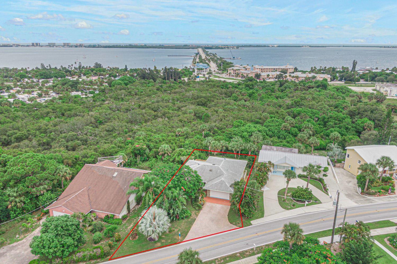 3705 NE Skyline Drive, Jensen Beach, FL 34957 - #: RX-10648830