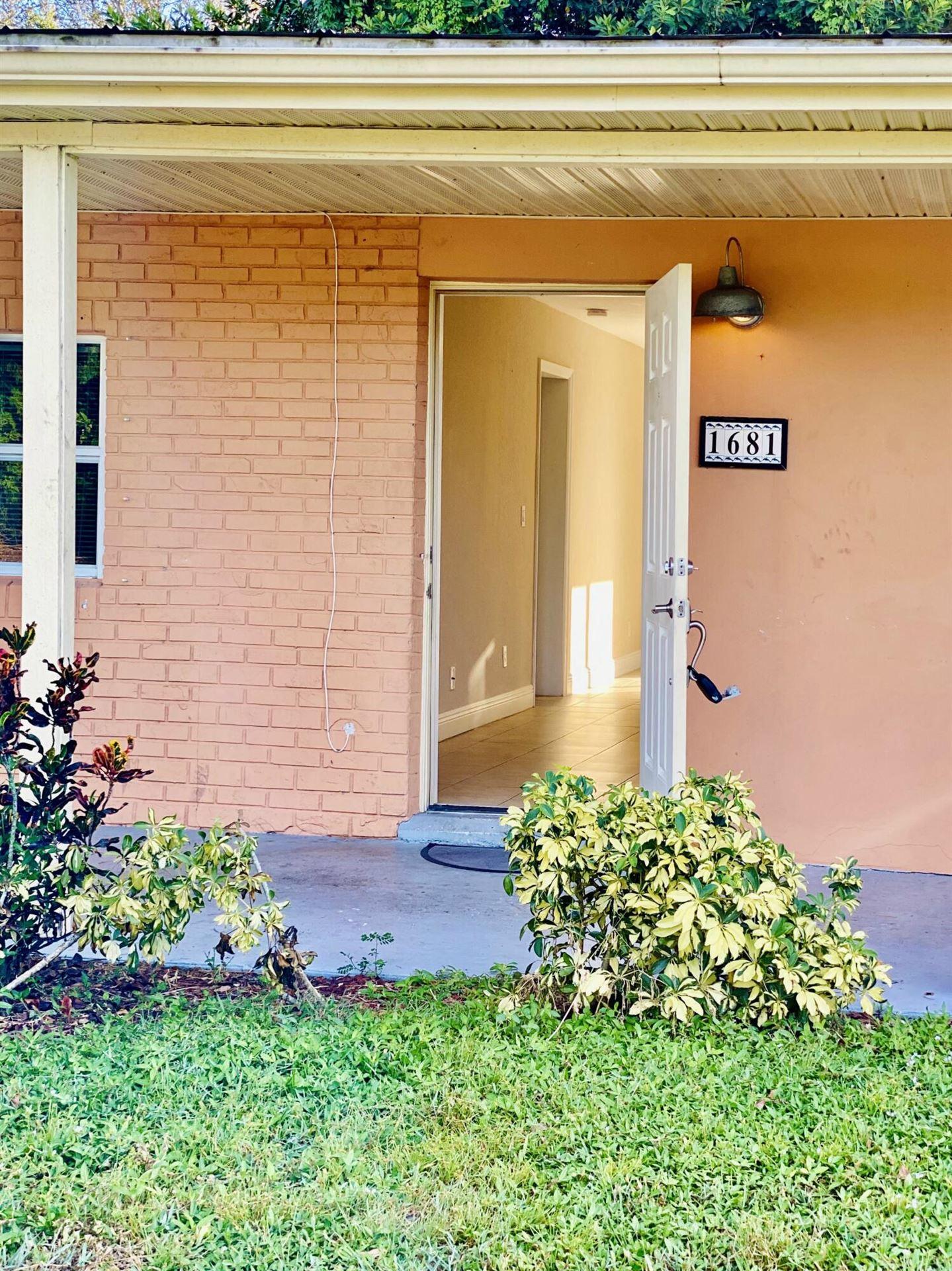 Photo of 1681 NW Palm Lake Drive, Stuart, FL 34994 (MLS # RX-10753830)