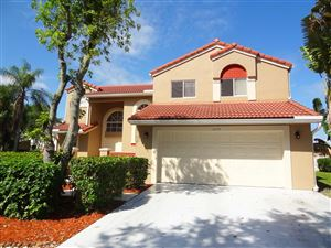 Photo of 10076 Country Brook Road, Boca Raton, FL 33428 (MLS # RX-10514834)
