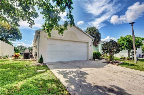 Photo of 17 Bentwater Circle, Boynton Beach, FL 33426 (MLS # RX-10733836)