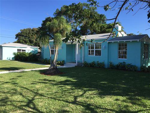 Photo of 301 SW 1st Avenue, Delray Beach, FL 33444 (MLS # RX-10609839)