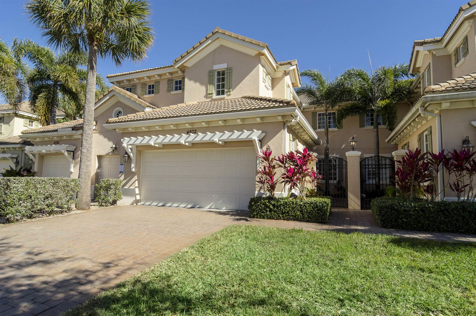 Photo of 4802 Cadiz Circle, Palm Beach Gardens, FL 33418 (MLS # RX-10687839)