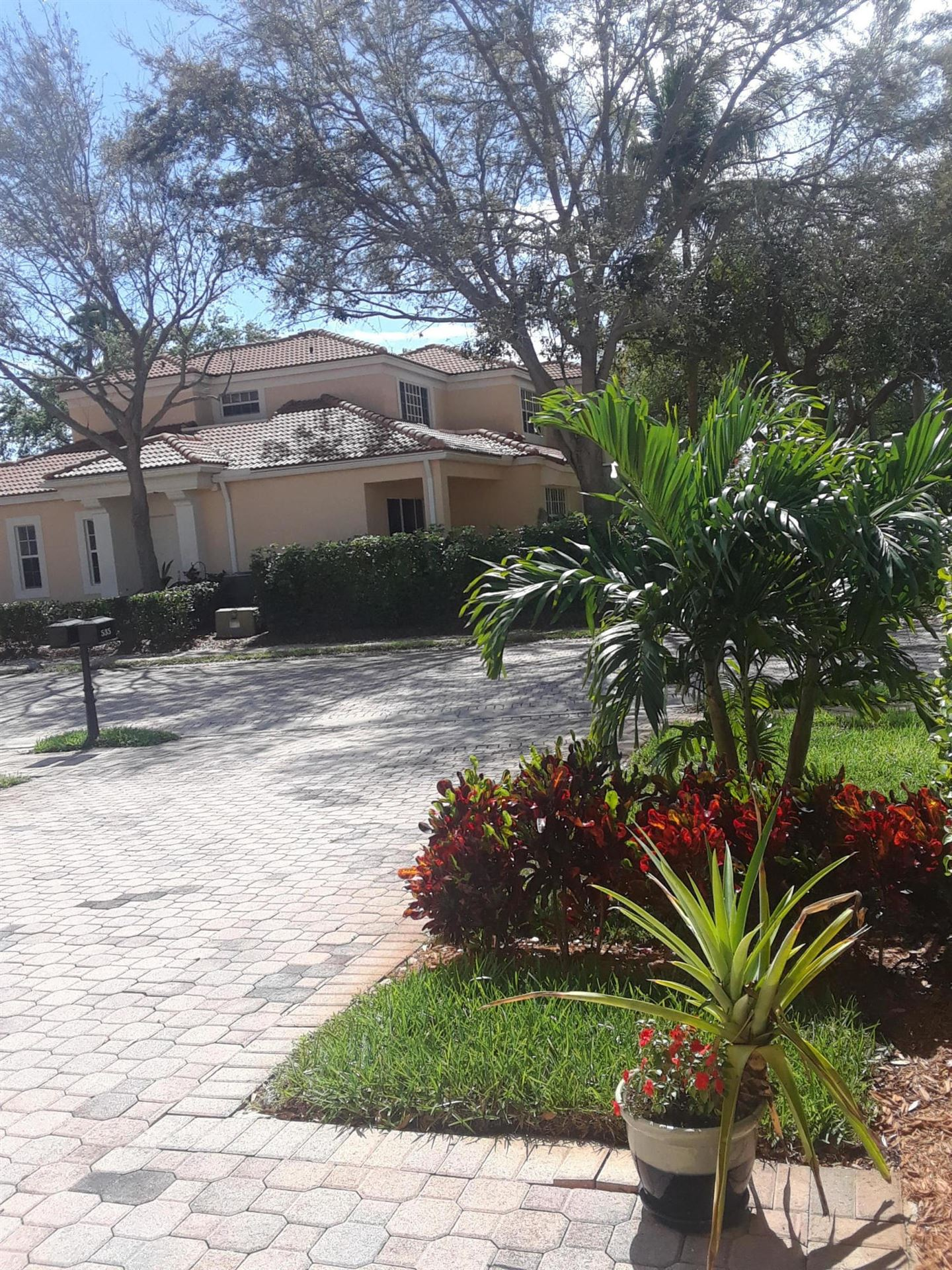 Photo of 535 Commons Drive, Palm Beach Gardens, FL 33418 (MLS # RX-10695839)