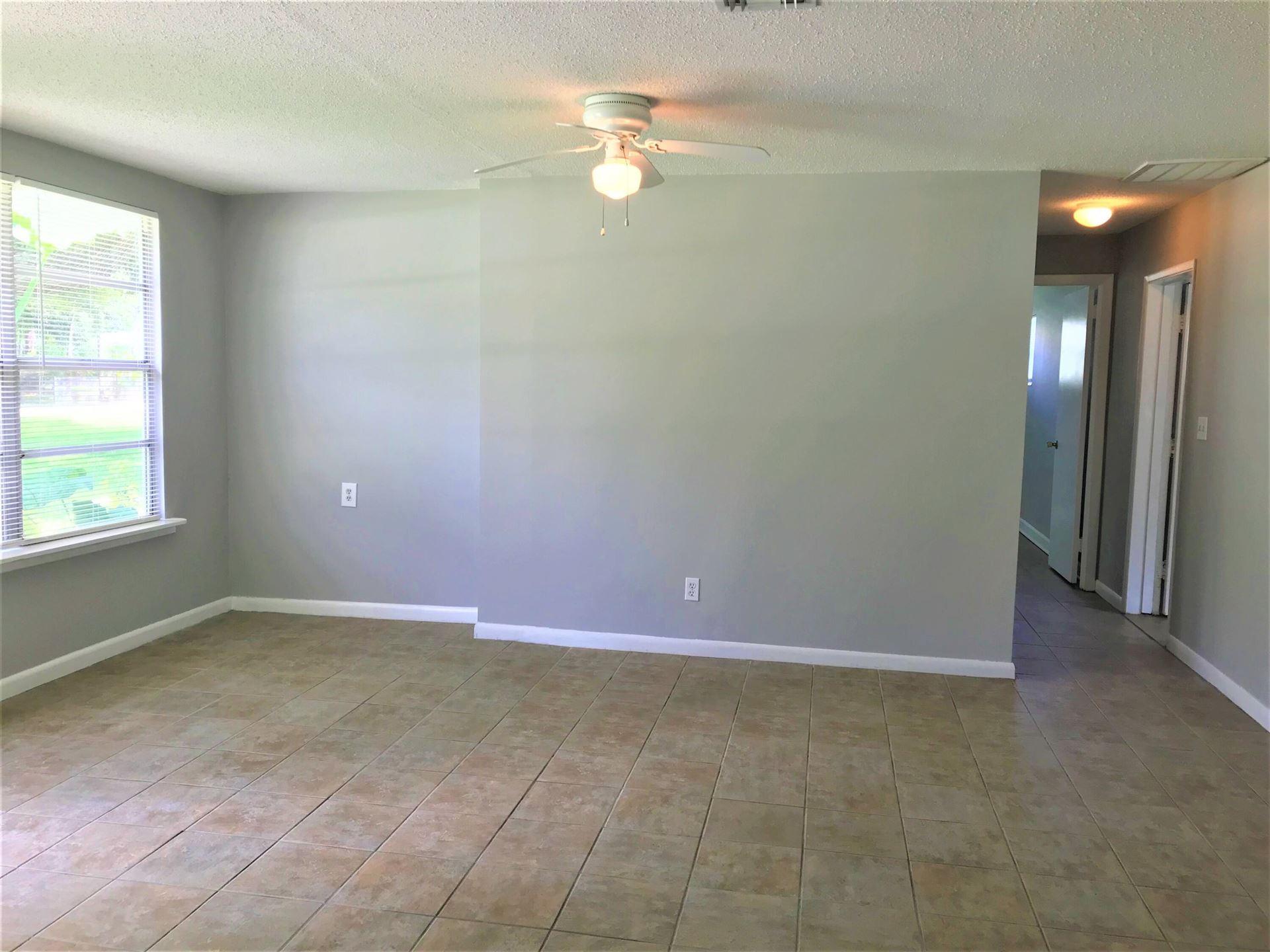 Photo of 1435 6th Street, Vero Beach, FL 32962 (MLS # RX-10745839)