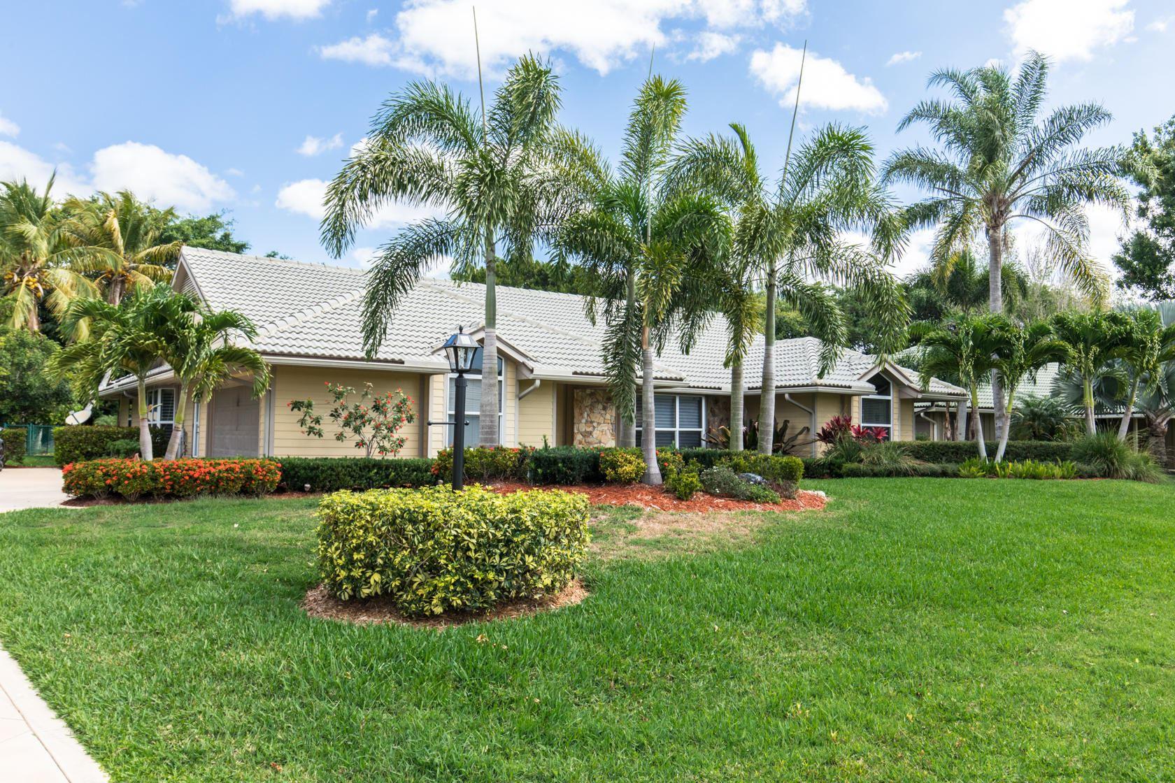 Photo of 14 Dunbar Road, Palm Beach Gardens, FL 33418 (MLS # RX-10711840)