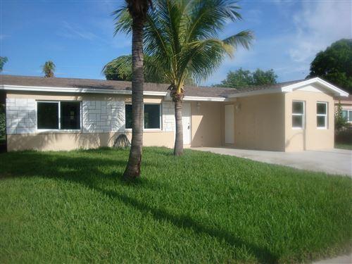Photo of 2681 NW 1st Street, Boynton Beach, FL 33435 (MLS # RX-10735844)