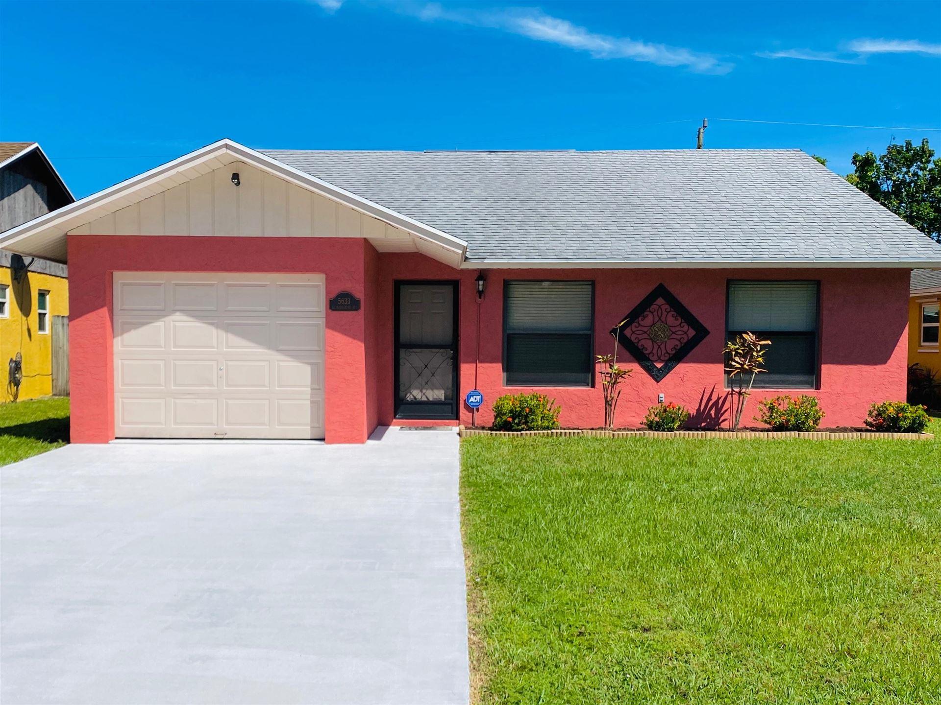 5633 SE Katharine Avenue, Stuart, FL 34997 - #: RX-10655846