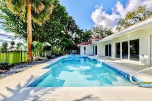 Photo of 3773 Red Maple N Circle, Delray Beach, FL 33445 (MLS # RX-10464853)