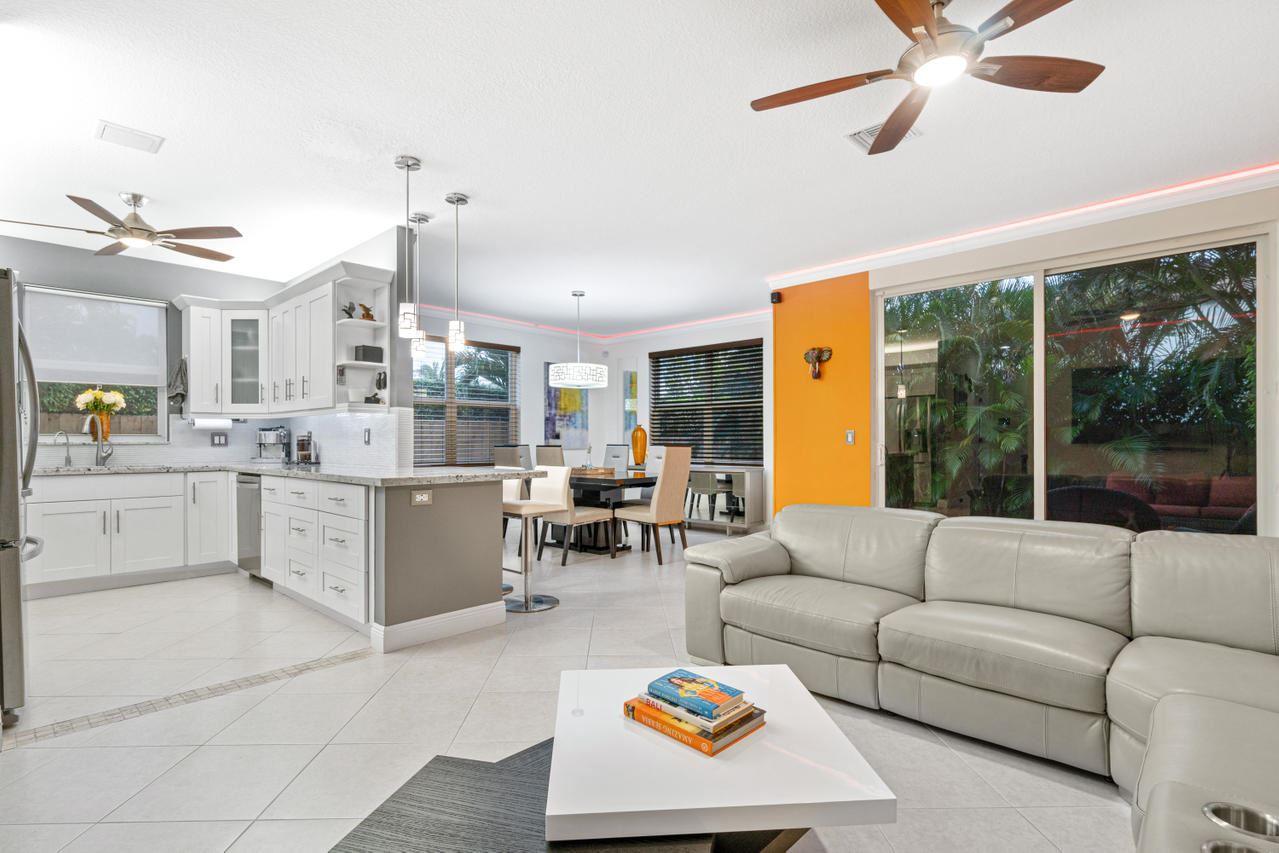 4260 NE 5th Avenue, Boca Raton, FL 33431 - #: RX-10658856