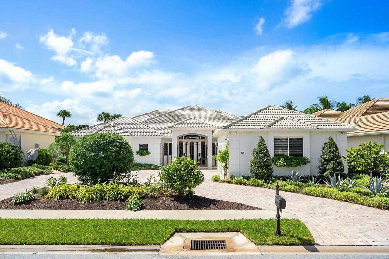 Photo of 64 St James Drive, Palm Beach Gardens, FL 33418 (MLS # RX-10650857)