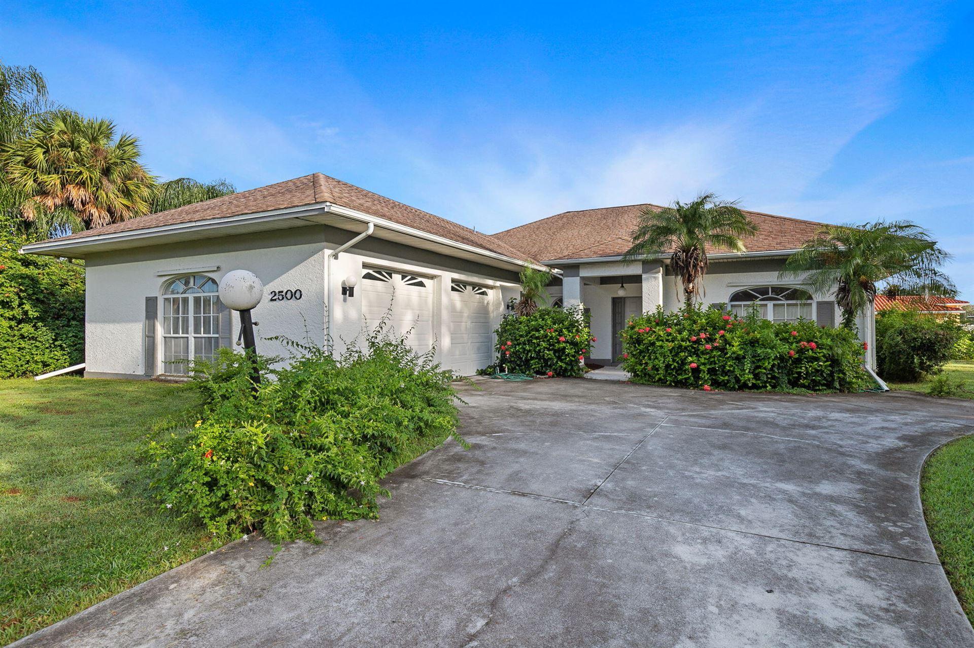 2500 Palm Lakes Drive Avenue, Fort Pierce, FL 34981 - #: RX-10747863