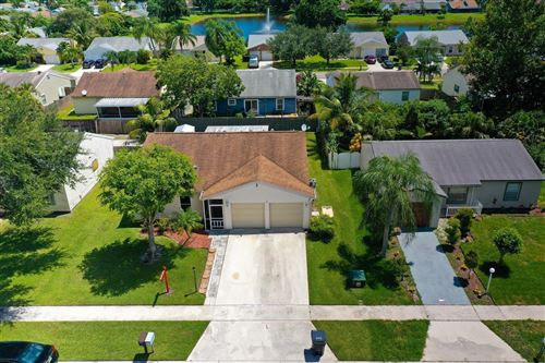 Foto de inmueble con direccion 5262 Edgewood Drive Lake Worth FL 33467 con MLS RX-10651864