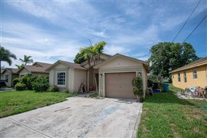 Photo of 115 NE 11th Avenue, Boynton Beach, FL 33435 (MLS # RX-10539866)