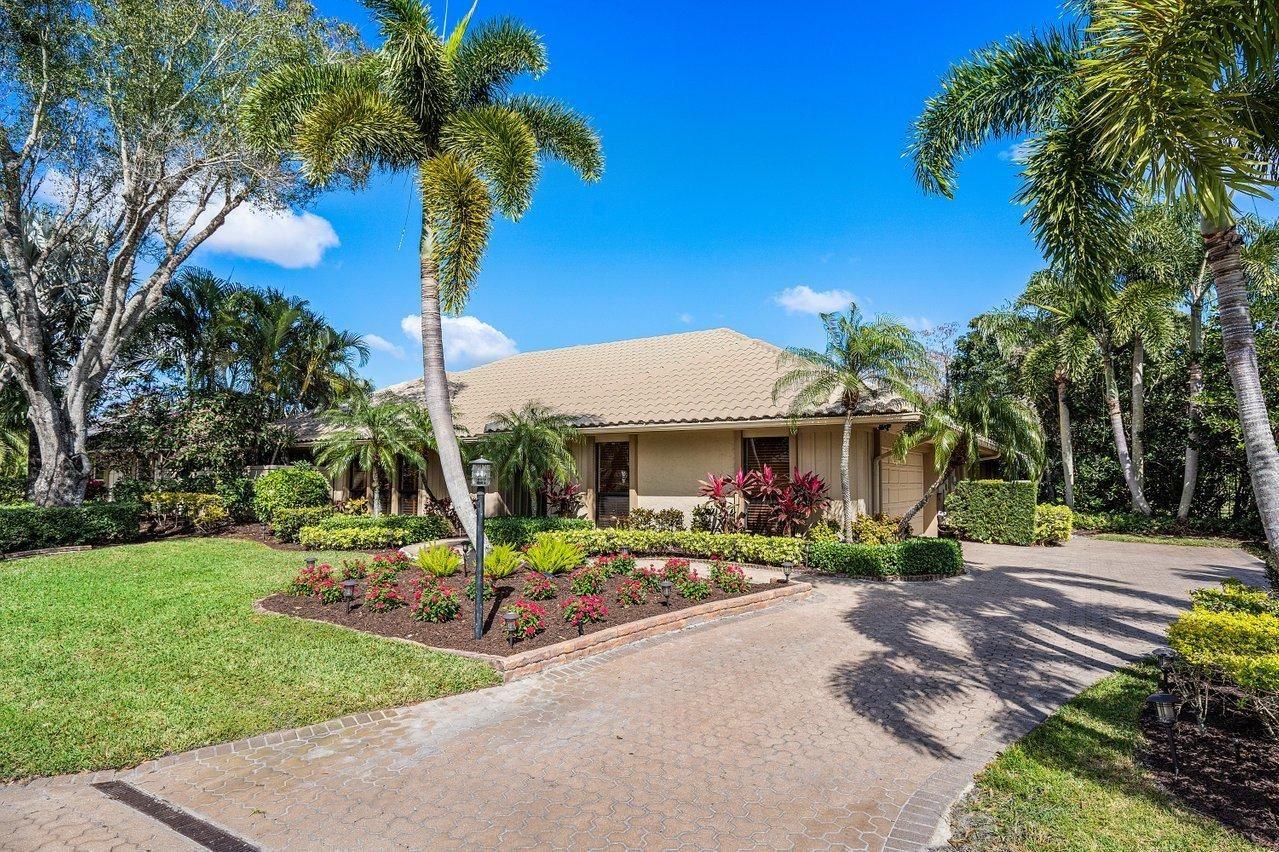 Photo of 54 Dunbar Road, Palm Beach Gardens, FL 33418 (MLS # RX-10688866)