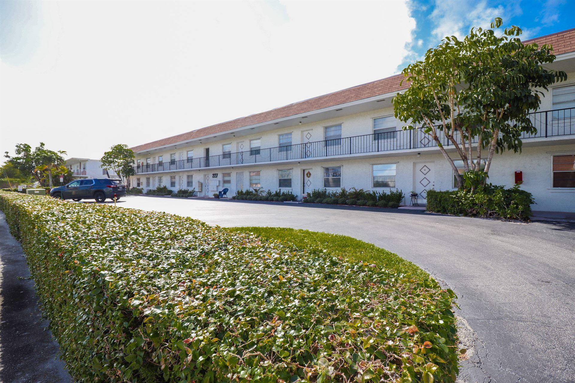 227 Castlewood Drive #203, North Palm Beach, FL 33408 - #: RX-10683867