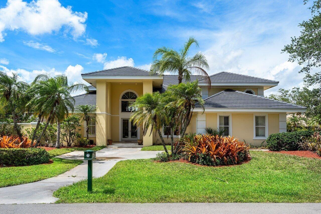 Photo of 1 Sheldrake Lane, Palm Beach Gardens, FL 33418 (MLS # RX-10721869)