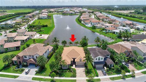 Foto de inmueble con direccion 8324 Grand Prix Lane Boynton Beach FL 33472 con MLS RX-10633871