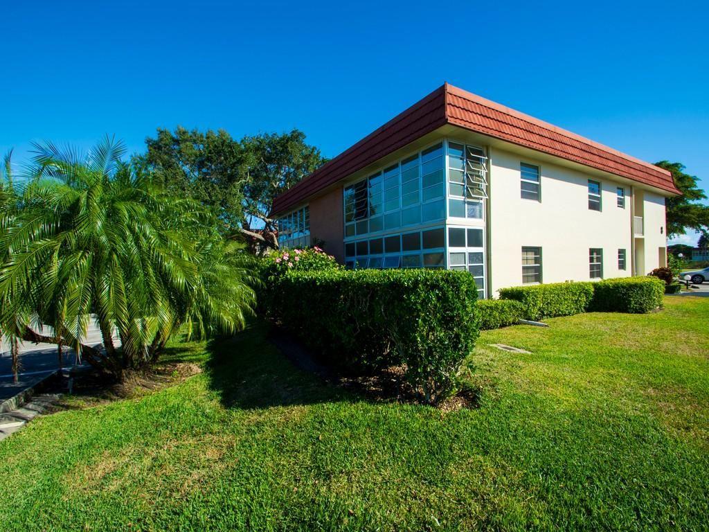 8 Vista Palm Lane #207, Vero Beach, FL 32962 - #: RX-10681871