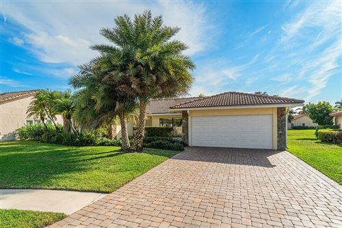 Photo of 10333 Crosswind Road, Boca Raton, FL 33498 (MLS # RX-10602878)