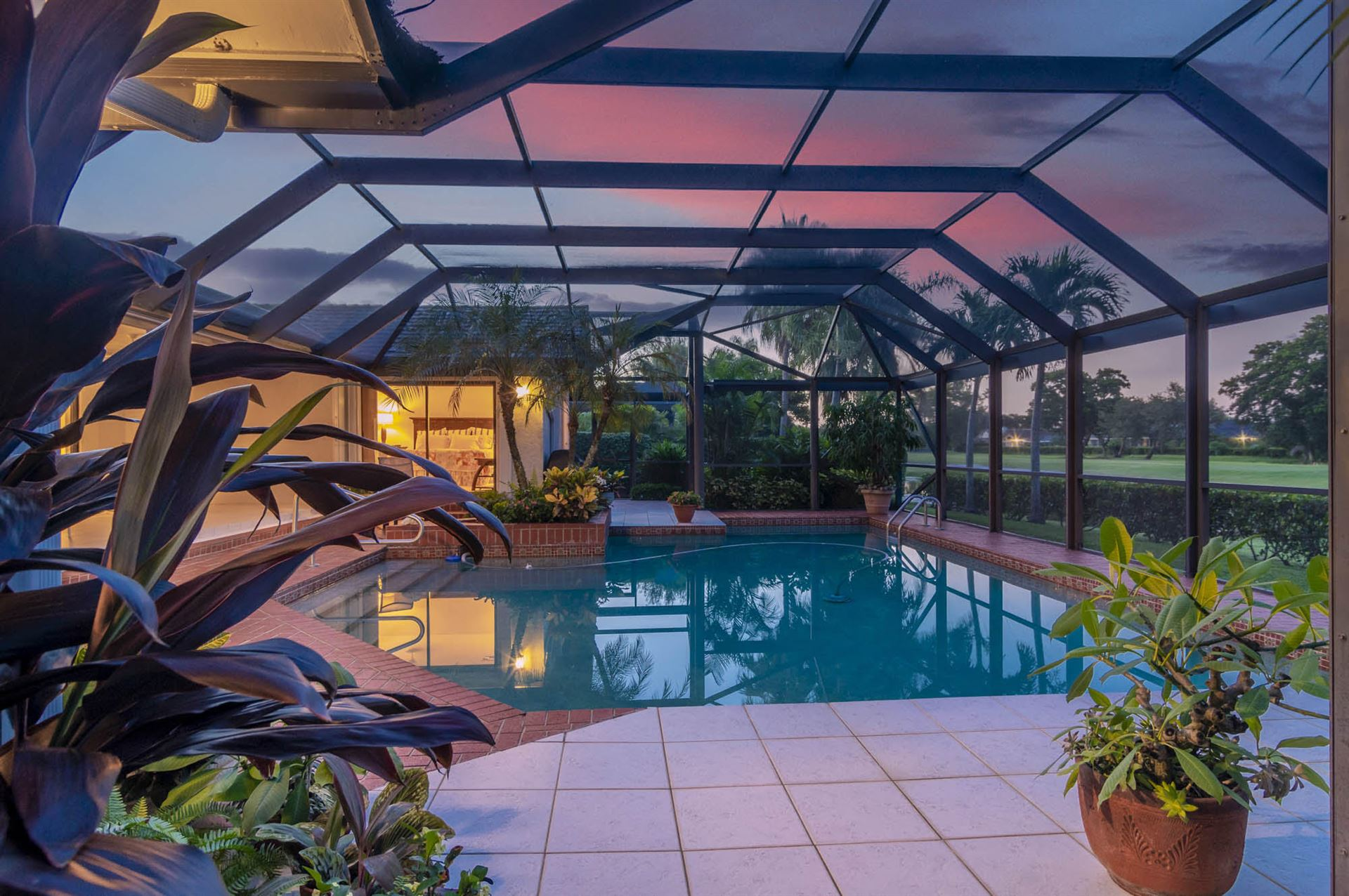 Photo of 2 Balfour Road E, Palm Beach Gardens, FL 33418 (MLS # RX-10739879)