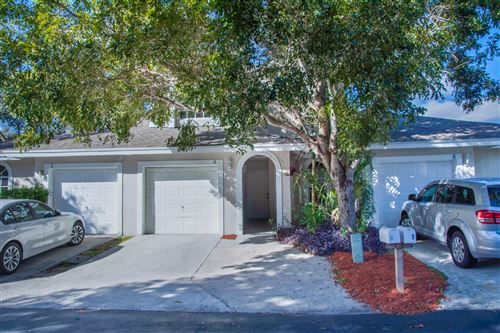 Photo of 3 Glamis Way SE, Boynton Beach, FL 33426 (MLS # RX-10593887)