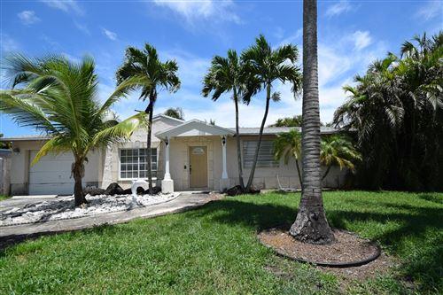 Photo of 517 Rye Lane, Delray Beach, FL 33444 (MLS # RX-10733887)