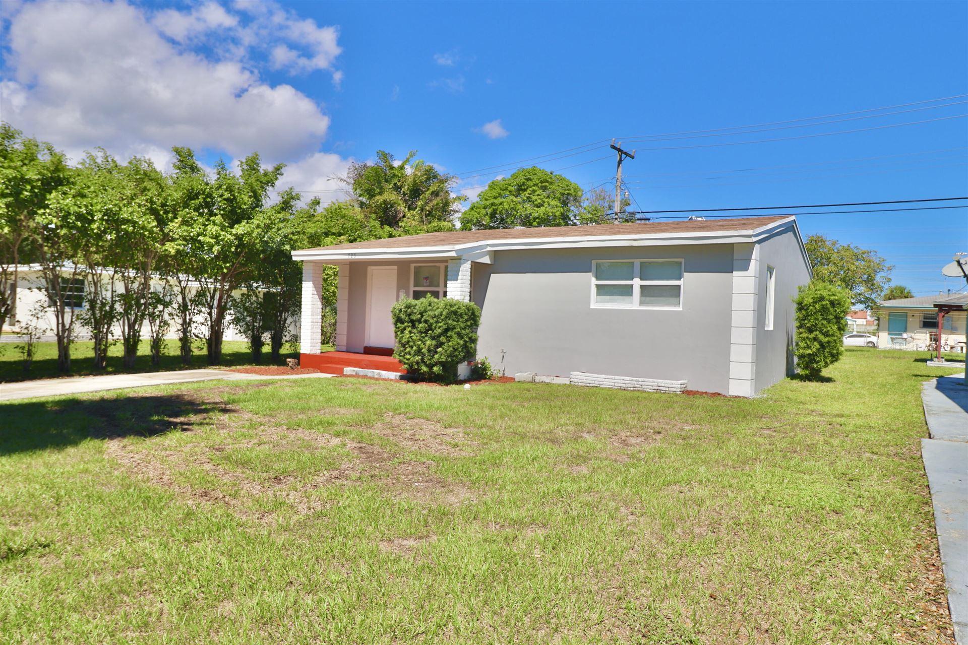 725 58th Street, West Palm Beach, FL 33407 - #: RX-10749887