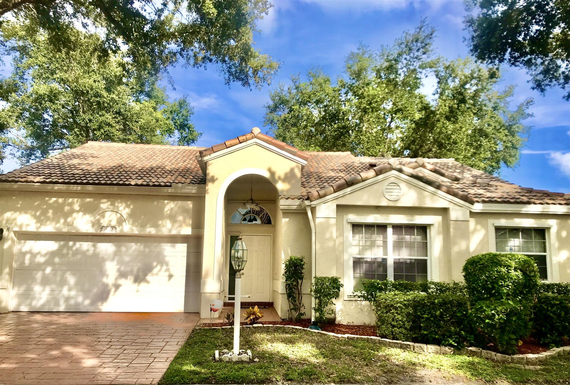 Photo of 1080 Siena Oaks Circle E, Palm Beach Gardens, FL 33410 (MLS # RX-10658890)