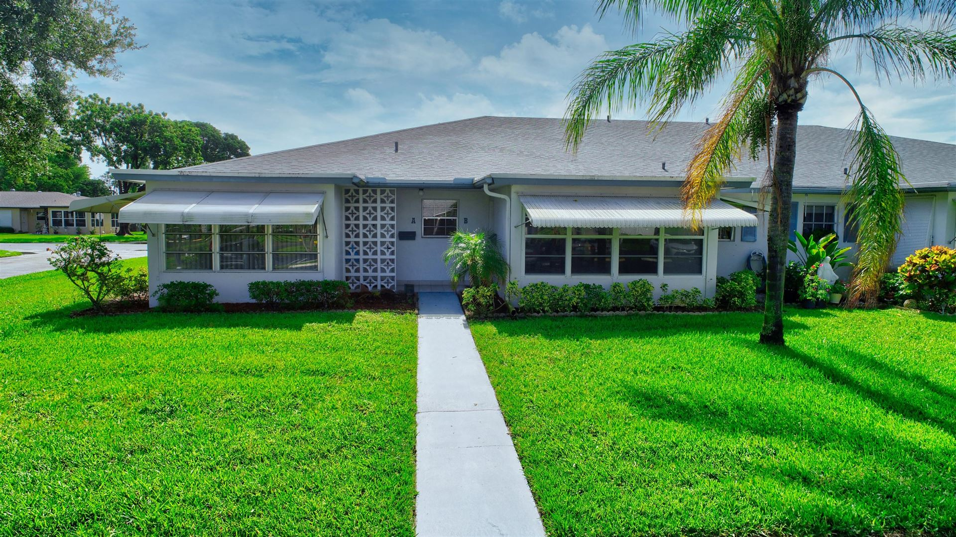 Photo for 1110 Circle Terrace W #A, Delray Beach, FL 33445 (MLS # RX-10624891)
