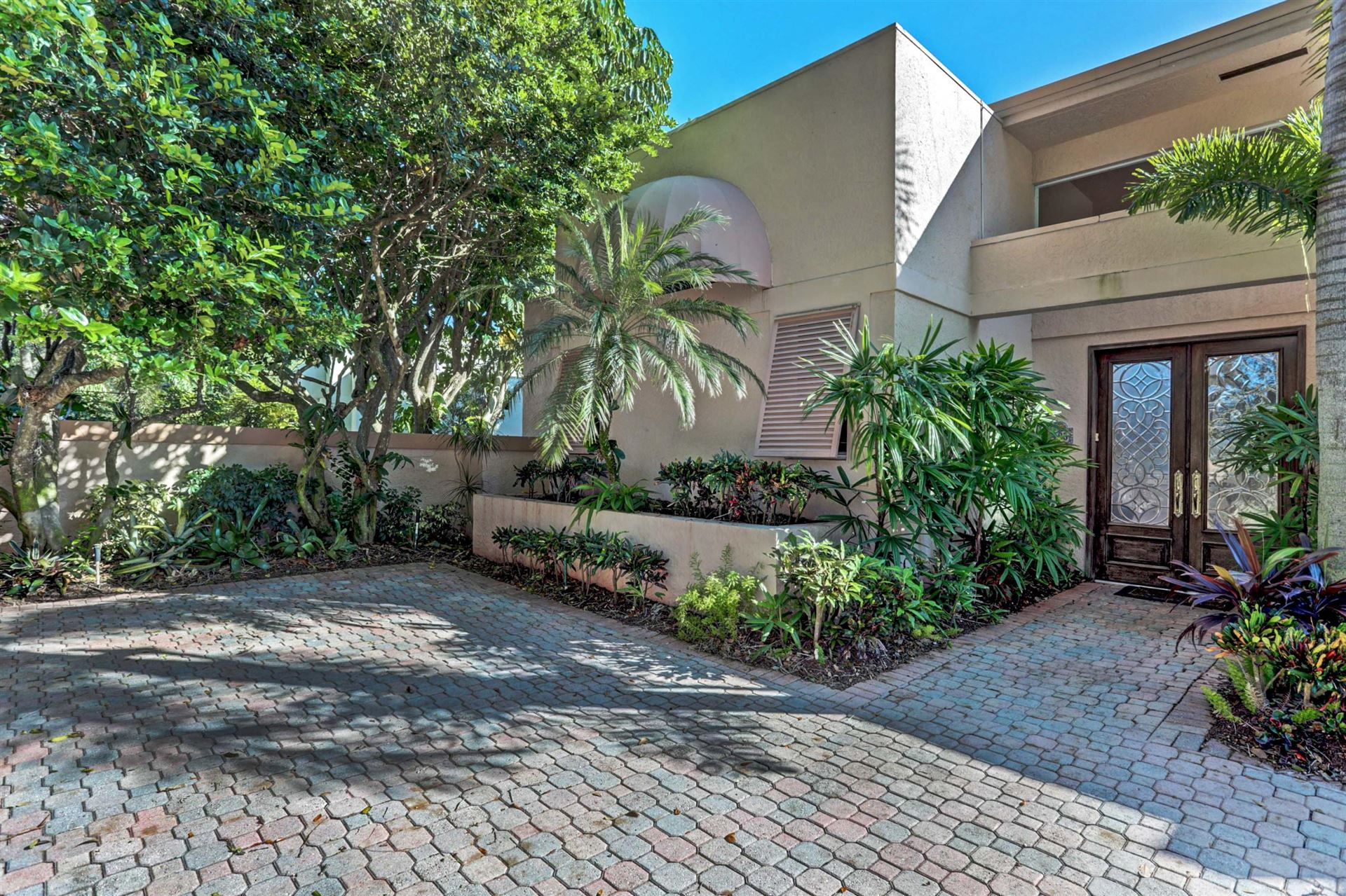 Photo of 103 Waters Edge Dr Drive, Jupiter, FL 33477 (MLS # RX-10669891)