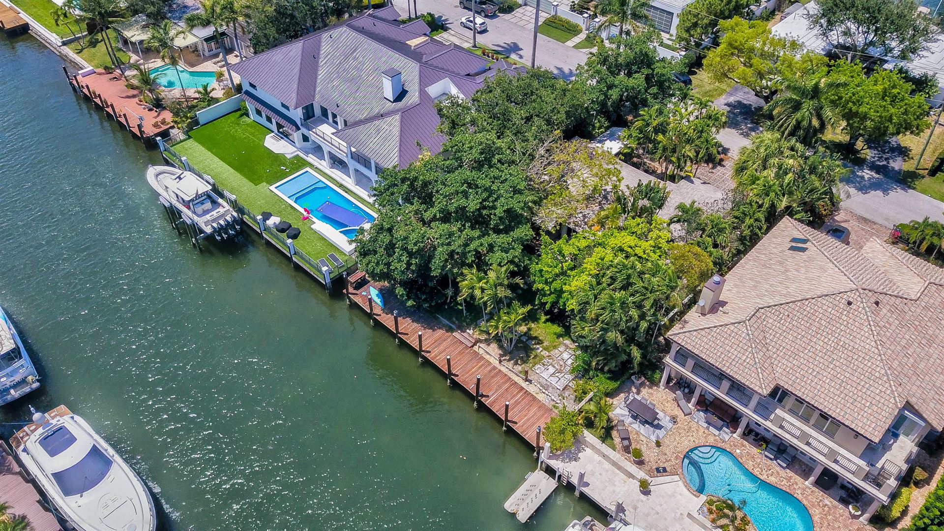 Photo of 2508 Delmar Place, Fort Lauderdale, FL 33301 (MLS # RX-10711892)