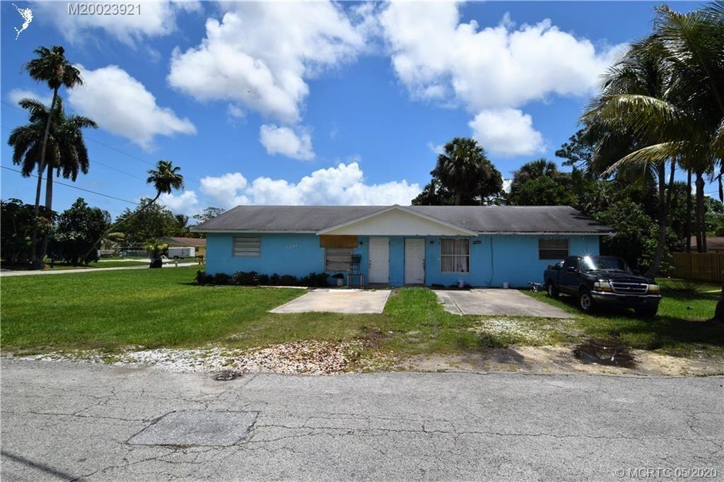 Photo of 3211 SE Ferndale Avenue, Stuart, FL 34997 (MLS # RX-10626893)