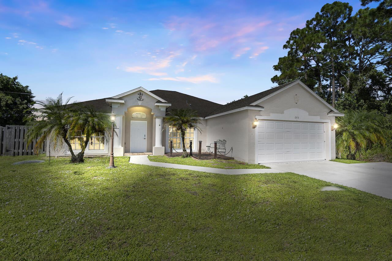 685 SE Sweetbay Avenue, Port Saint Lucie, FL 34983 - #: RX-10746896