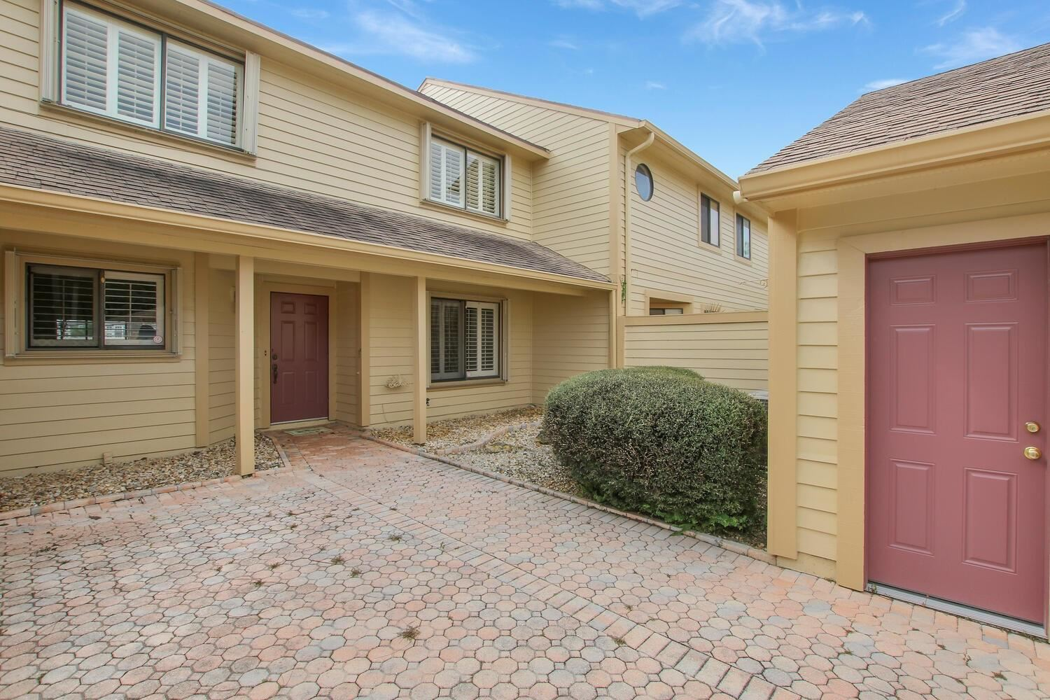 Photo of 6208 SE Georgetown Place, Hobe Sound, FL 33455 (MLS # RX-10669898)