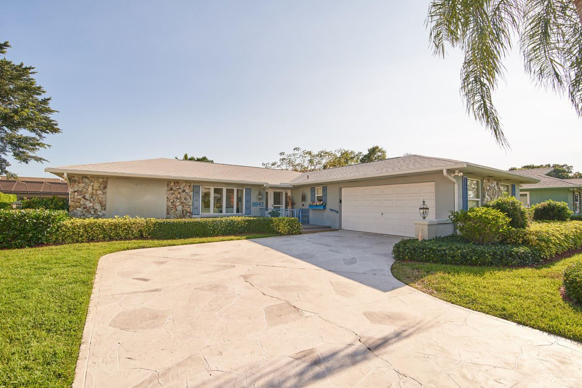 9842 SE Little Club Way S, Tequesta, FL 33469 - #: RX-10520901