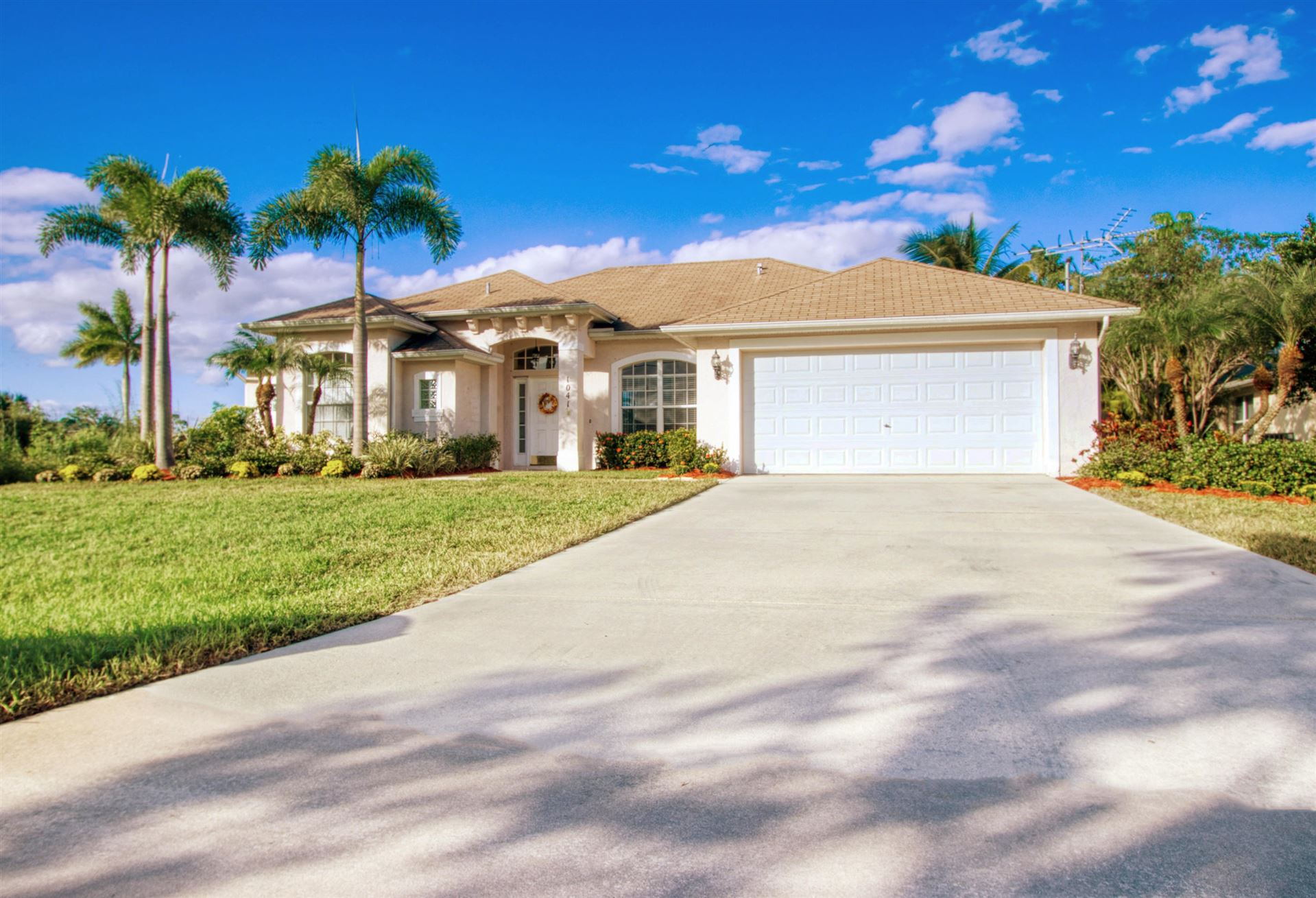 1041 SW Abingdon Avenue, Port Saint Lucie, FL 34953 - #: RX-10668902