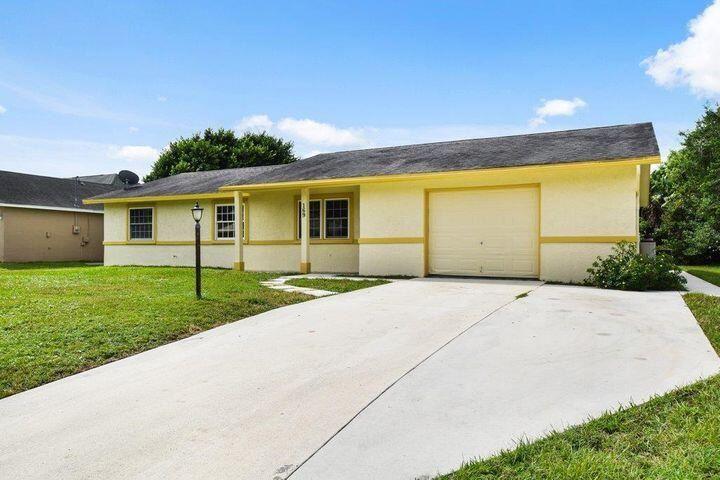 169 SE Crosspoint Drive, Port Saint Lucie, FL 34983 - MLS#: RX-10744903