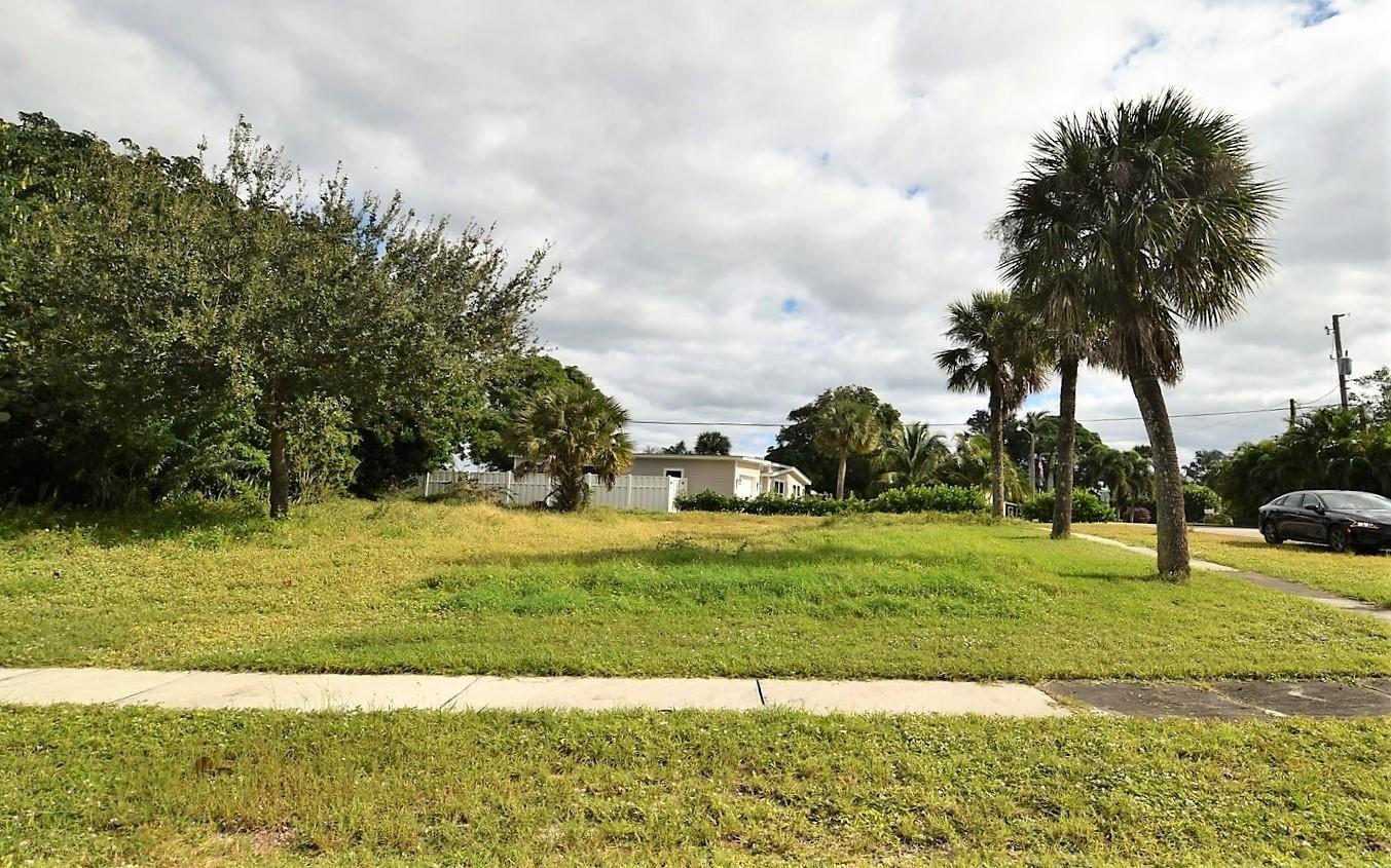 Photo of 1365 NE Waveland Avenue, Jensen Beach, FL 34957 (MLS # RX-10675904)
