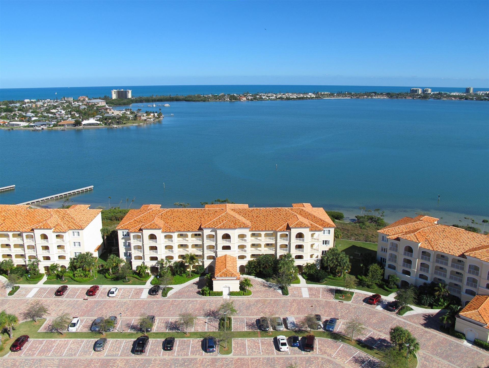 21 Harbour Isle Drive W #Ph2, Fort Pierce, FL 34949 - #: RX-10605905