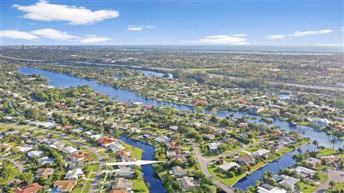 Foto de inmueble con direccion 7961 W Lake Drive Lake Clarke Shores FL 33406 con MLS RX-10608906
